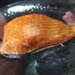 Doe jij vaak enkel peper en zout op je zalm? Probeer deze heerlijke gemarineerde zalm uit de Airfryer eens!