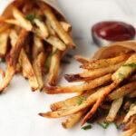 Een Airfryer gebruikt 70% minder vet wanneer je frietjes maakt! Zo maak je de knapperigste frietjes zelf!